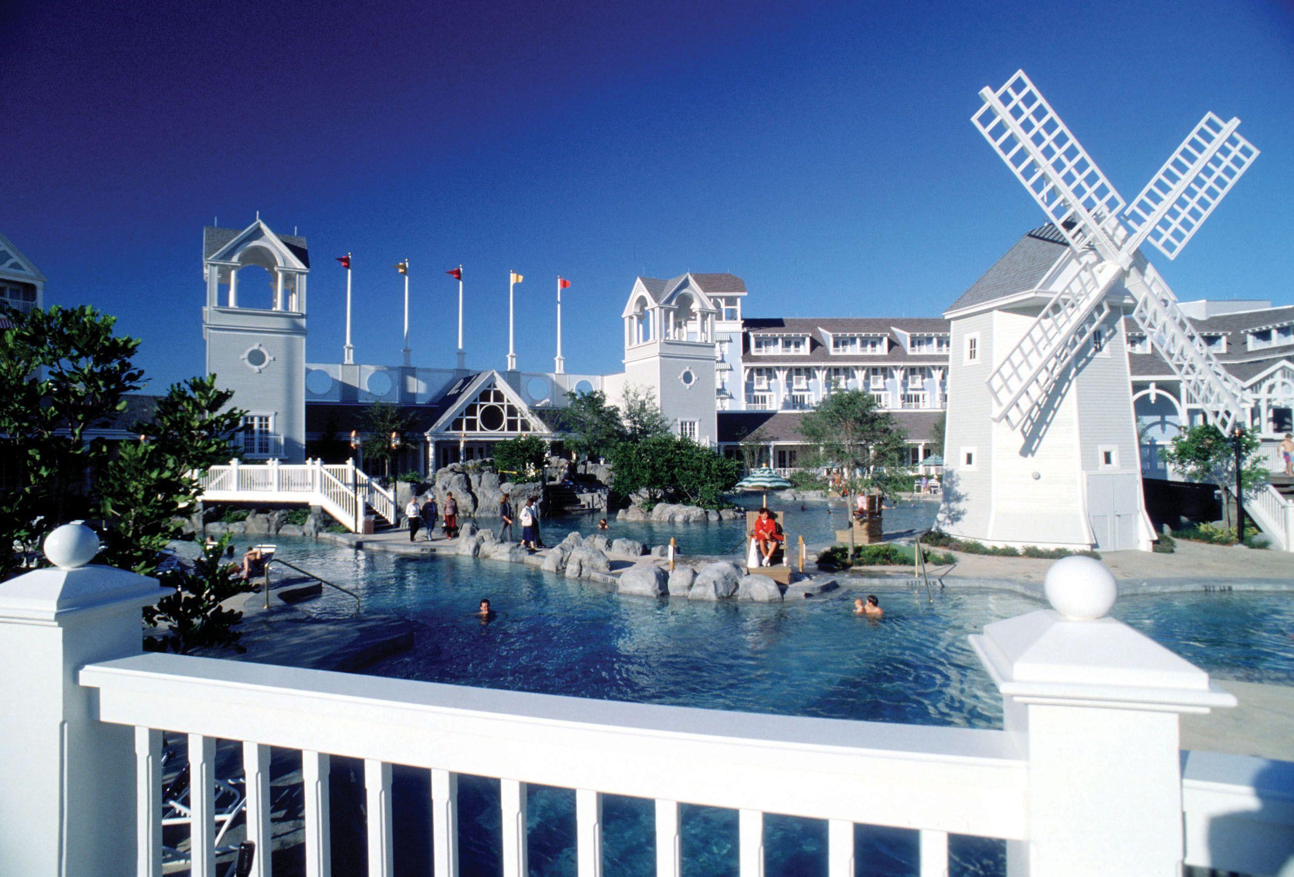 Disney Resort Hotels S Yacht Club Beach Resorts