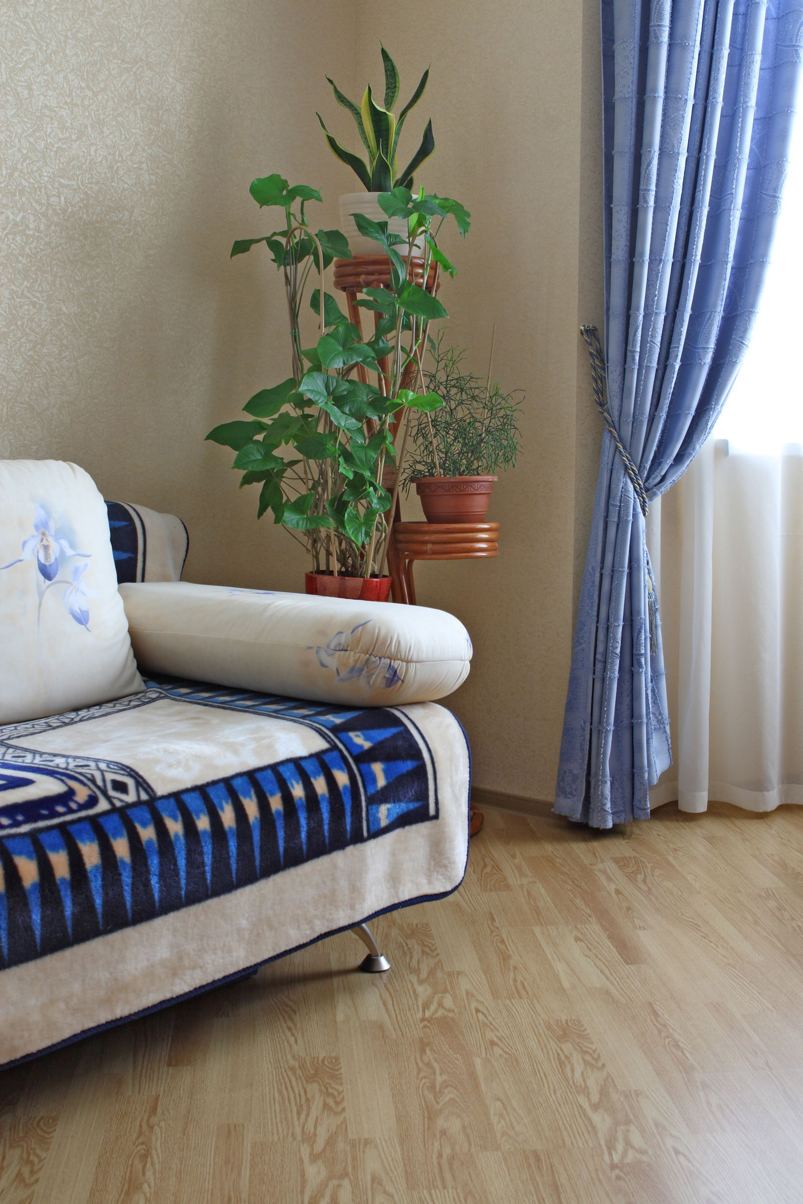 Nice Curtain Style Ideas For Contemporary And Modern Living Room Blue Modern Double Curtains For L Living Room Plants Curtains Living Room Living Room Designs