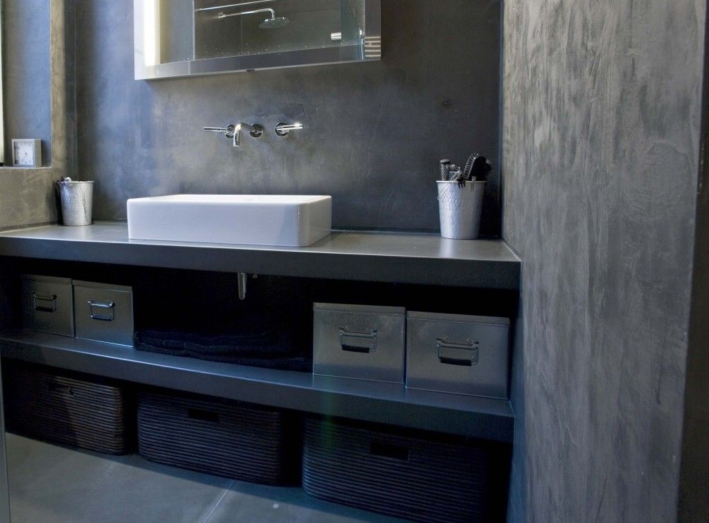 béton ciré salle de bain panier rangements | Salle de bains ...
