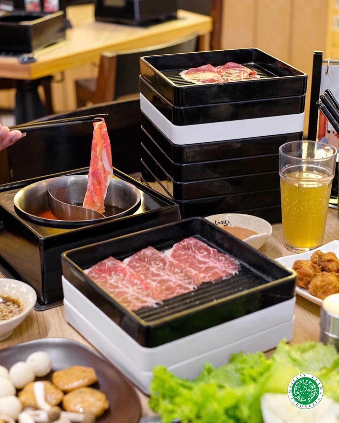 Are you up for some Japanese Shabu - Shabu this Monday? 😋 . 📸 @vickyyuwono .