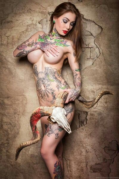 Horny tatooed naked females