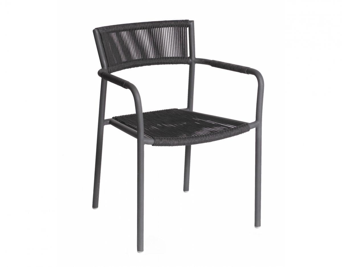 Een Warme Winter : De mallorca stoel van borek is stapelbaar lekker licht en heeft een