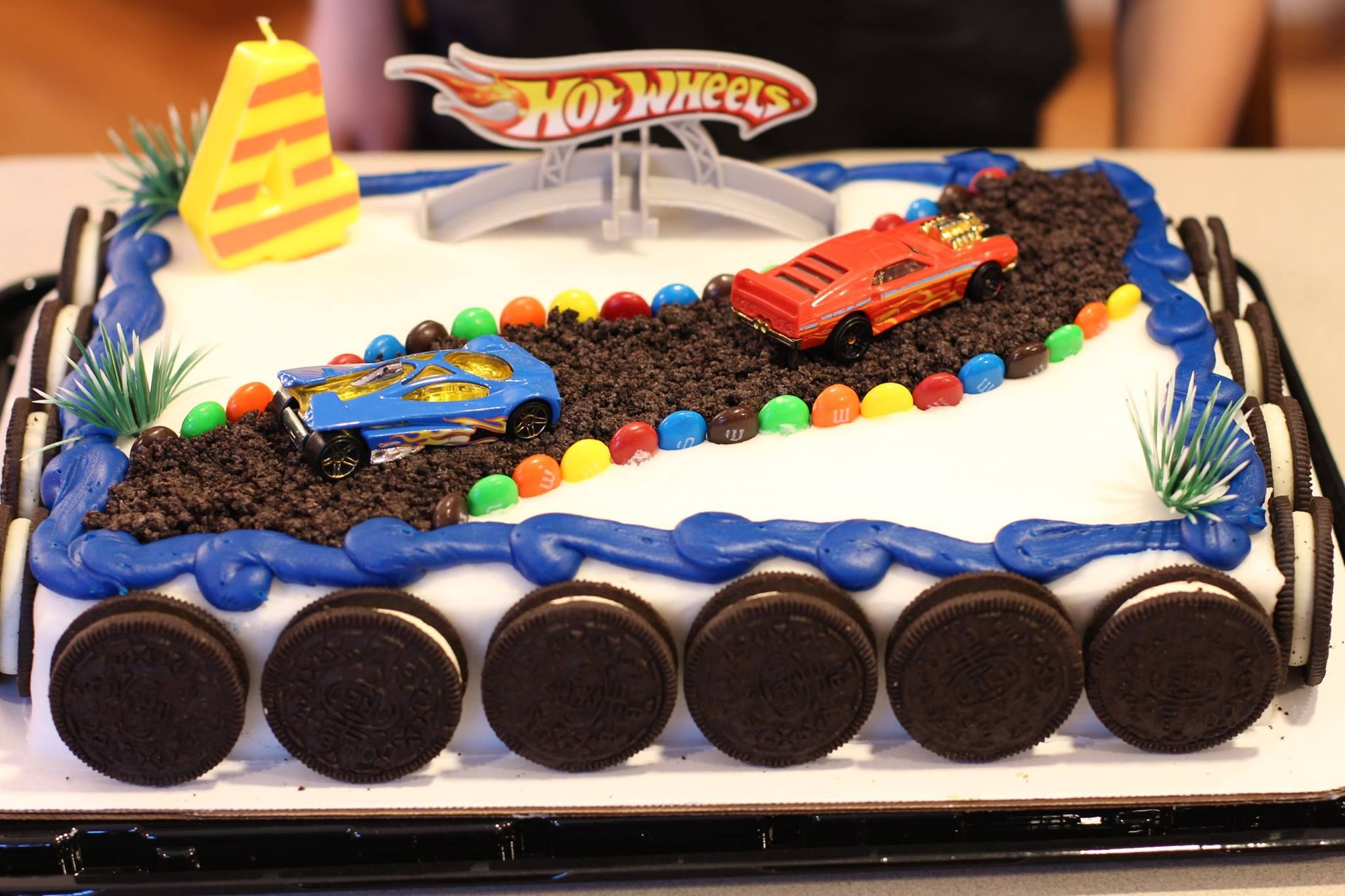 Diy Hotwheels Birthday Cake With Images Hot Wheels Birthday
