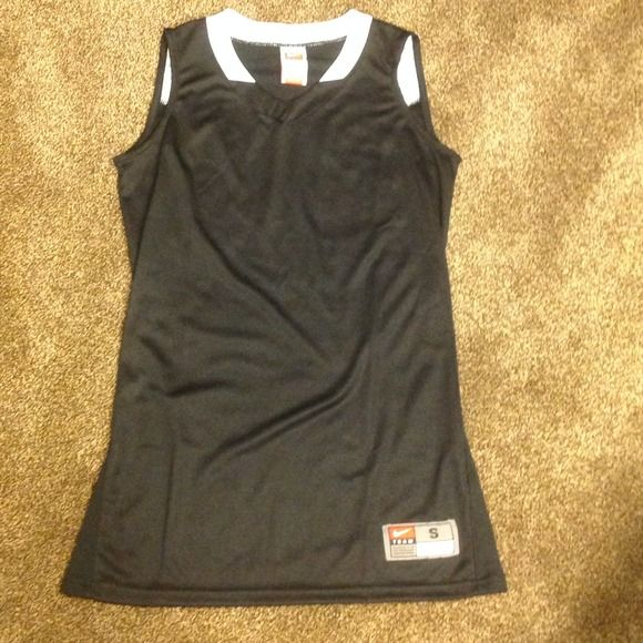 Nike FIT DRY Long Sleeveless Top Nike FIT DRY Long Sleeveless Top size small 100% polyester Nike Tops