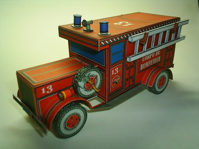Vintage Style Fire Brigade Truck paper model by Papermau.