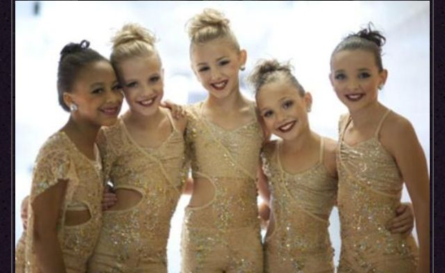 Kendall, Maddie, Chloe, Paige and Nia!