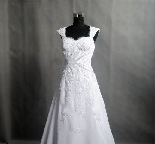 Vintage Lace Wedding Dress Bridal Gown Cap Sleeves Sweetheart A LINE with Train Wedding Dress Corset Back.