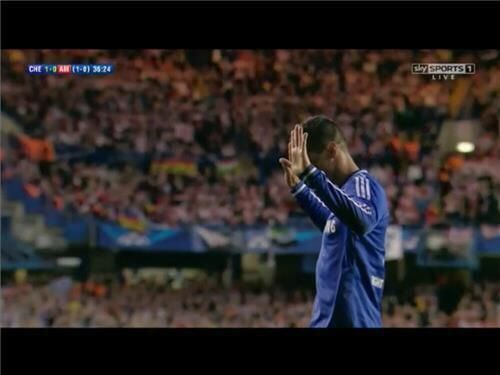 Oups : Le beau raté de Fernando Torres (vidéo) - http://www.actusports.fr/113948/oups-beau-rate-fernando-torres-video/