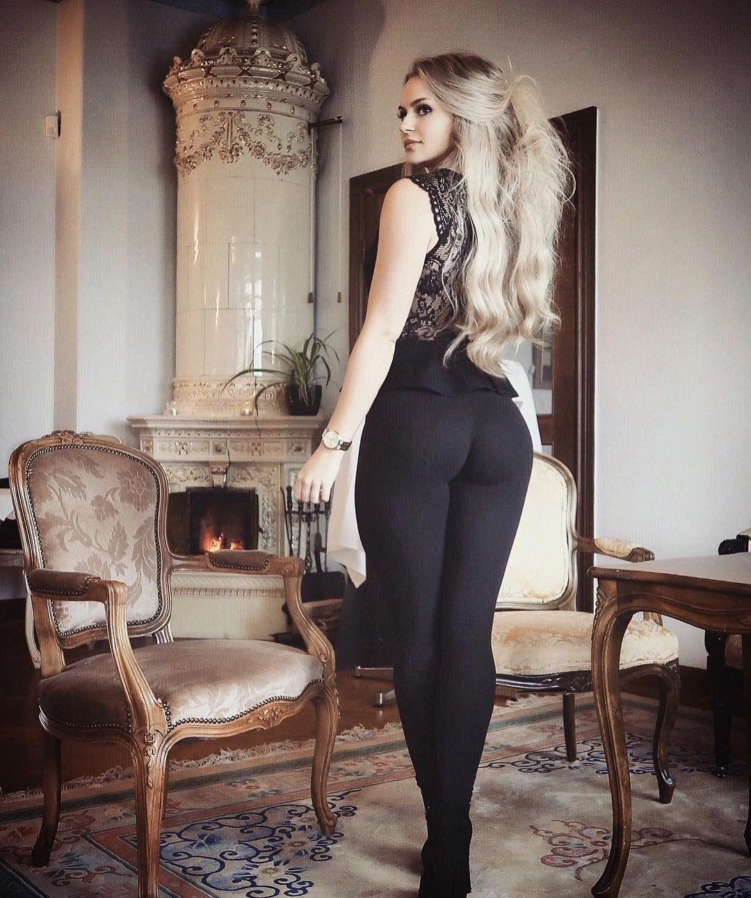 blonde in black yoga pants | tight ends | pinterest | anna, yoga