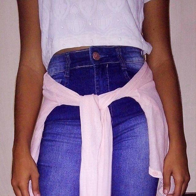 Oie!   Details ✨  .  .  #lookdodia #look #looks #details #moda #feedrosa #feedorganizado #jeans