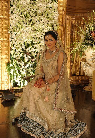 Pakistani white wedding dress middle eastern weddings for Middle eastern wedding dresses