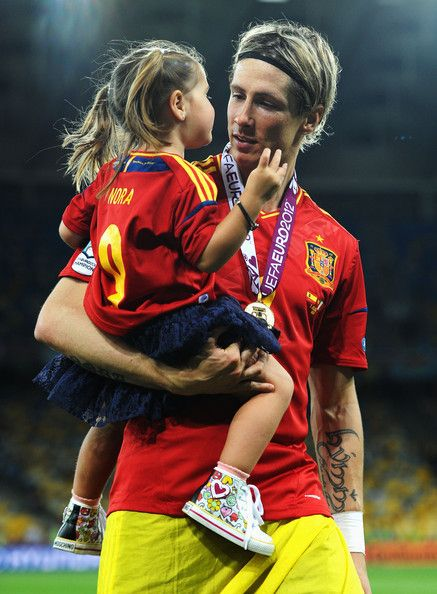 Fernando Torres with his daughter =D #Spain #Euro2012