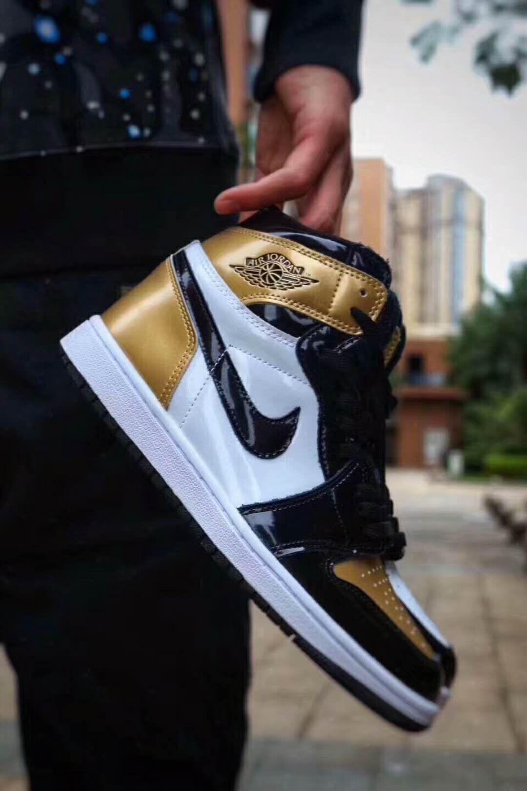 Air Jordan 1 Retro High Og Gold Top 3 861428 001 With Images