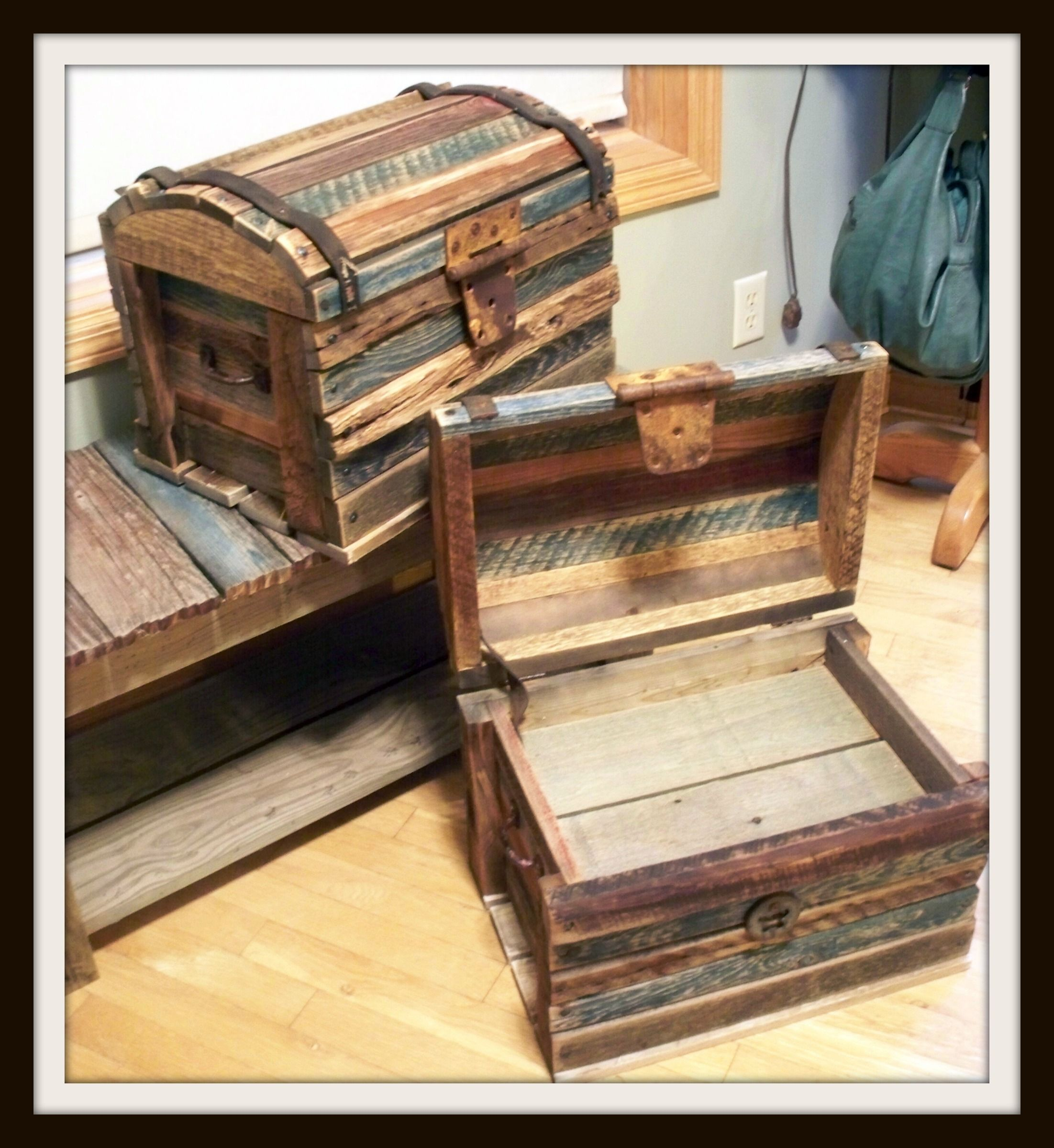 Barn Wood Treasure Chest Diy Projects To Try Pinterest