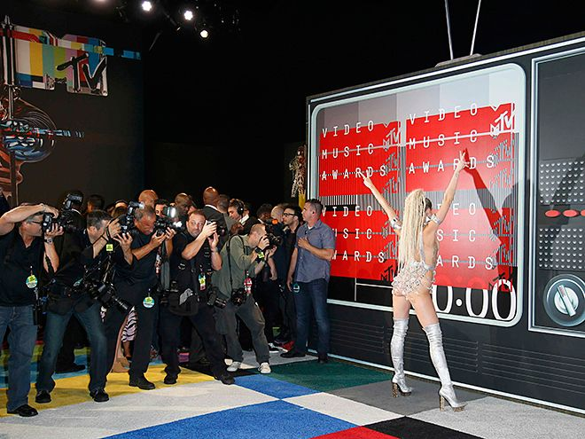VMAs 2015: Red Carpet Photos We Love : People.com