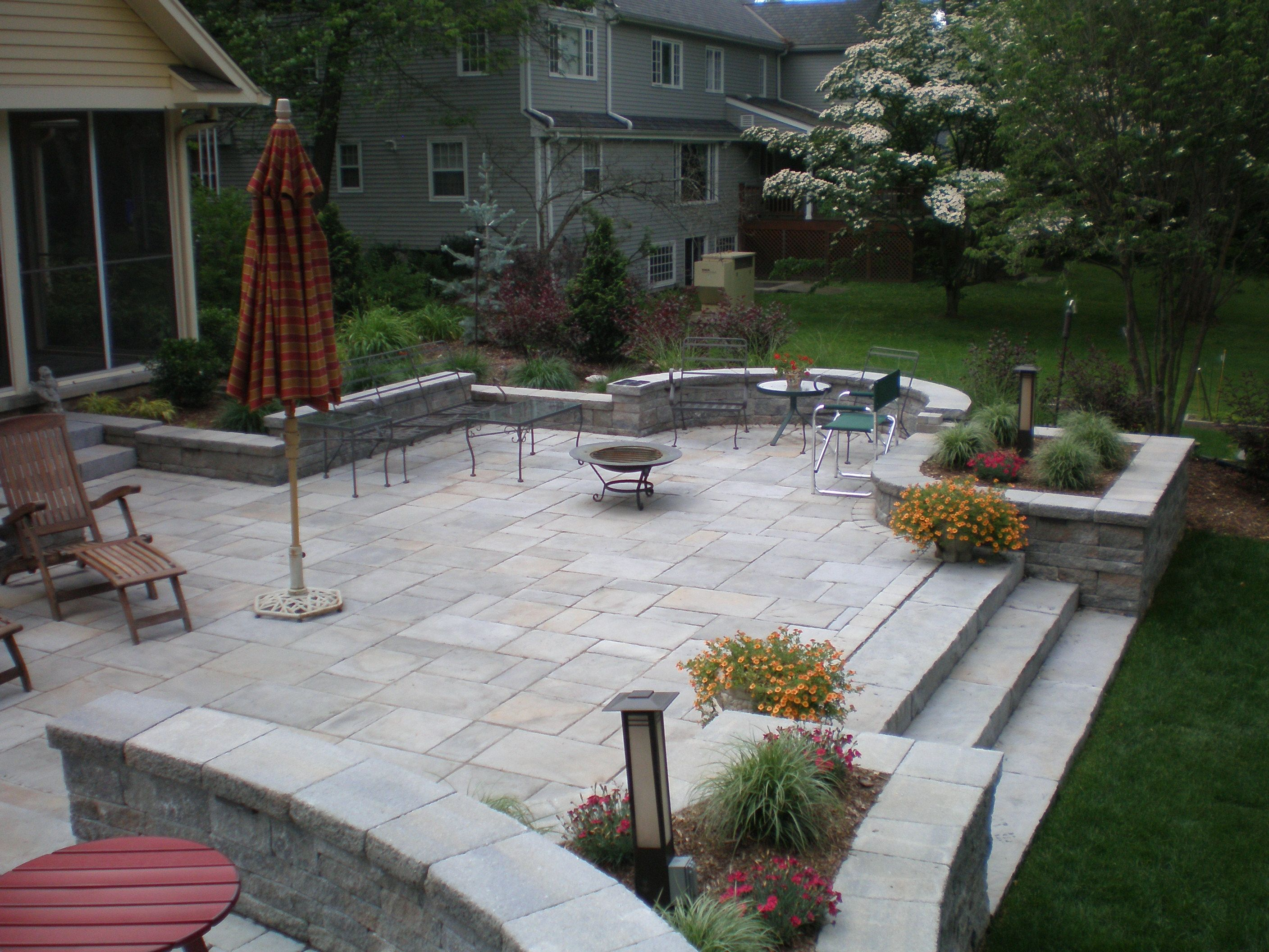 Raised Patio | Patio, Patio design, Backyard patio designs on Raised Concrete Patio Ideas id=21668