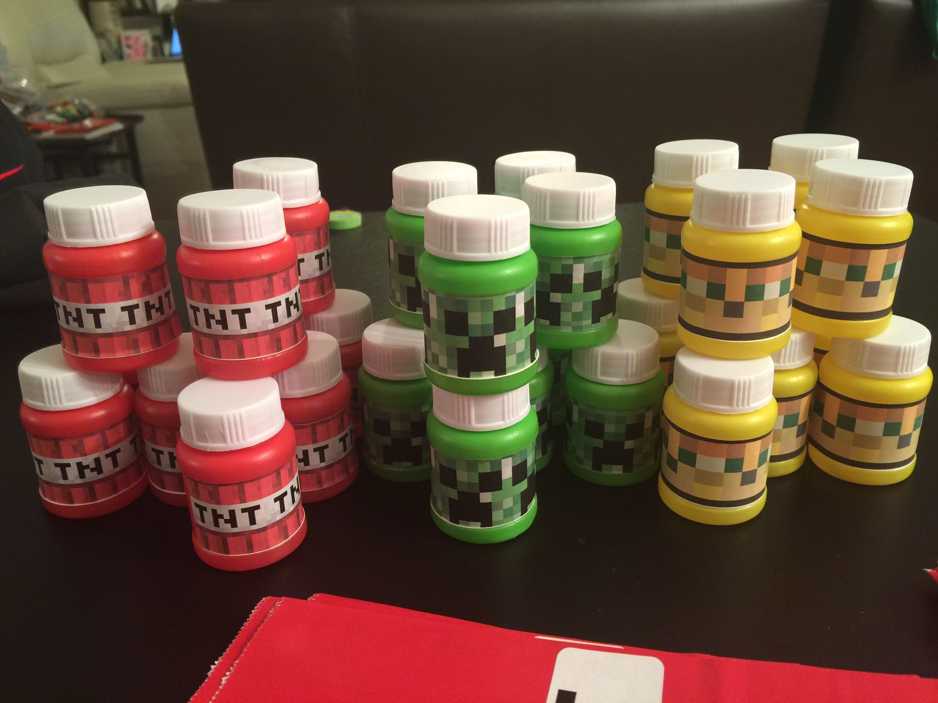Mine craft birthday ideas - Minecraft Bubbles Party Favor Print Minecraft Faces On Mailing Labels And Attach To Favor Bubbles