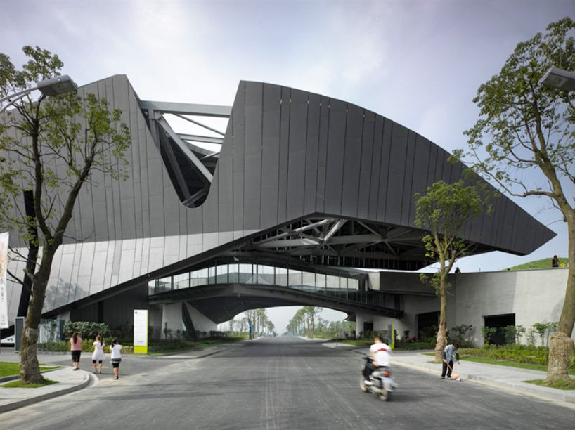 Gallery of Emerson College Los Angeles / Morphosis Architects - 1