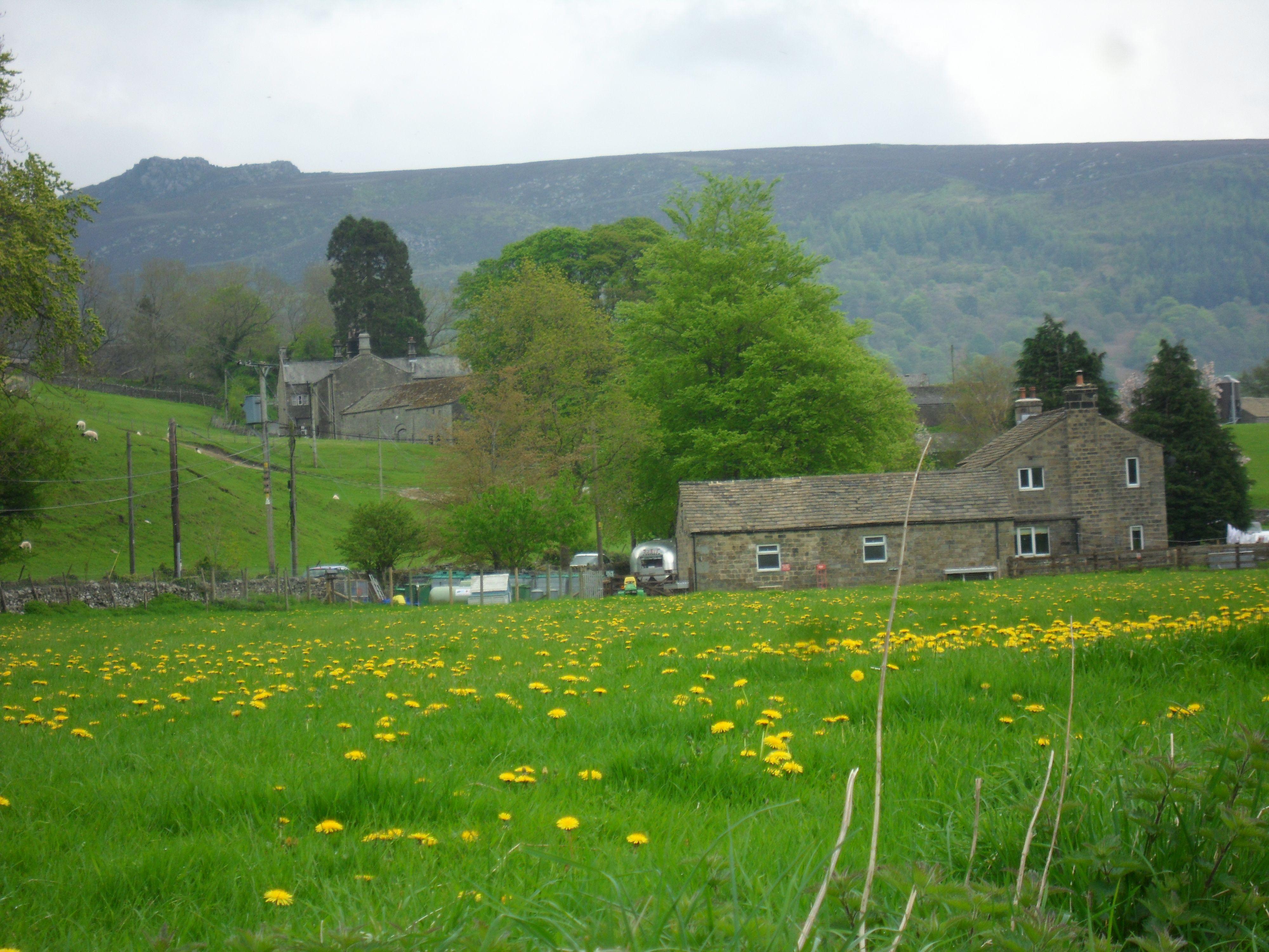 Appletreewick, Yorkshire - walking back to Howgill - 2013 ...
