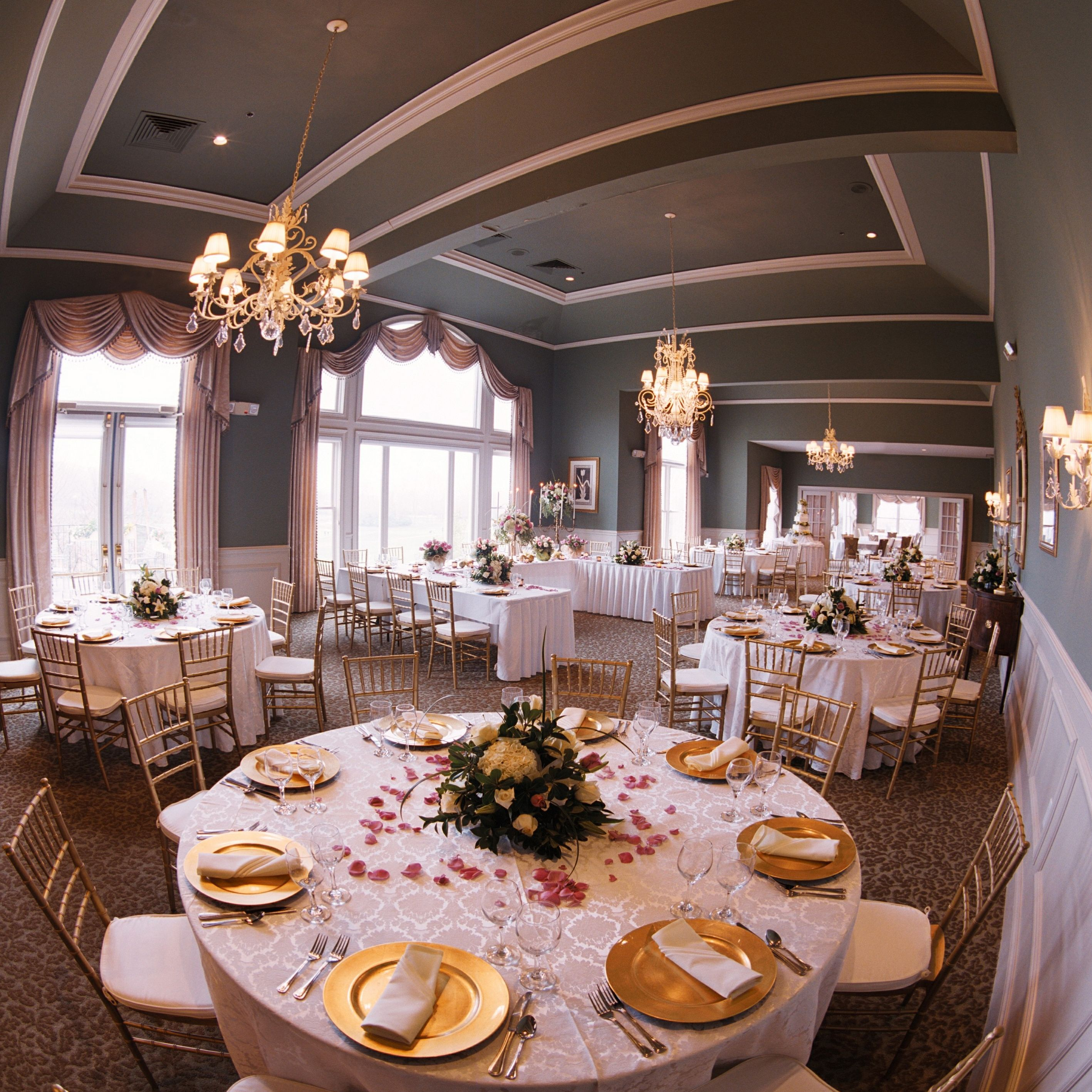 Party Halls In Cincinnati Ohio: The Ivy Room @ Ivy Hills Country Club-Cincinnati, OH
