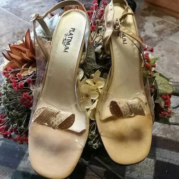 "♡♡♡SHOES Dressy gold heels w/clear top portion, gold bow w/diamondnette studs, 3"" heels Shoes Heels"