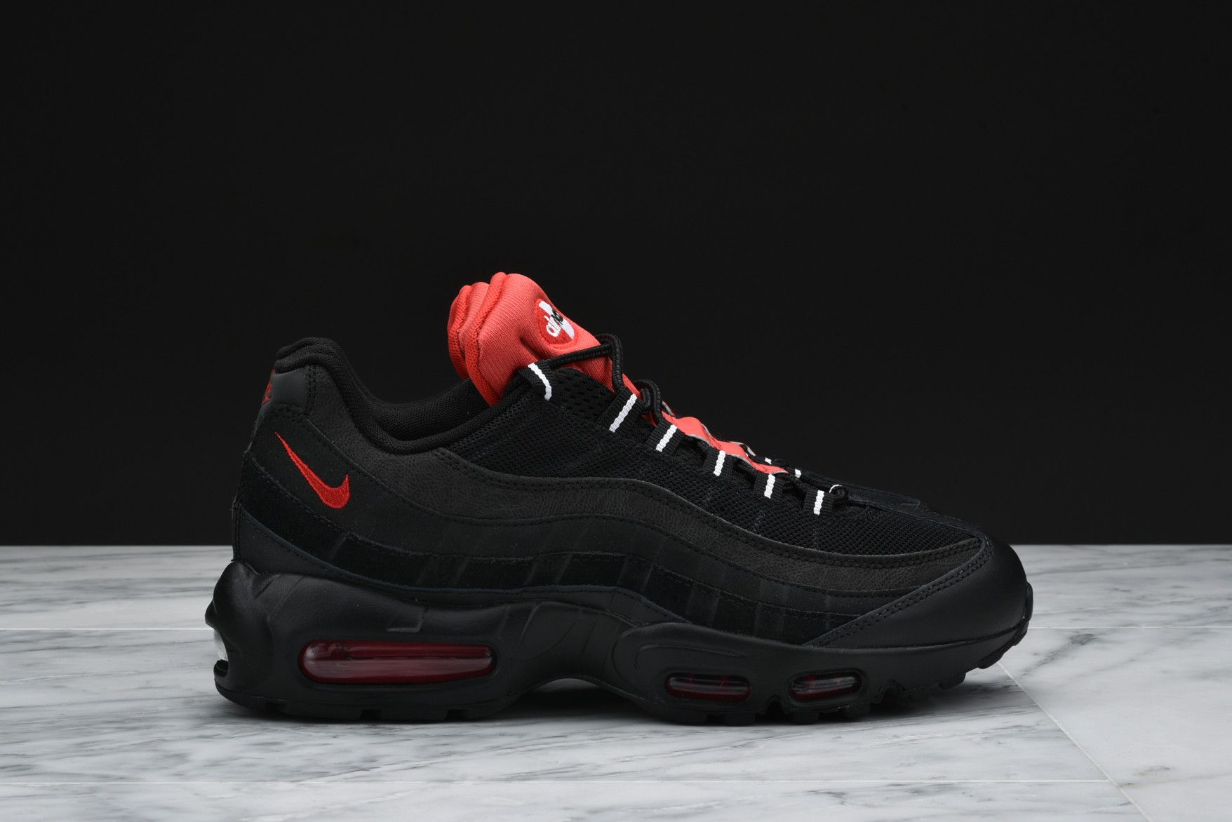 Details about Size 10 Nike Men Air Max 95 Essential Sneakers 749766 016 Black Red