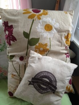 Pillows out of canvas shopping bags - stuff & sew!
