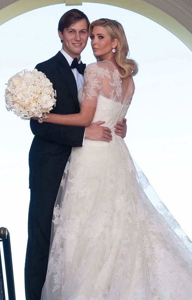 donald trumps daughter ivanka in a stunning vera wang gown ivanka trump wedding dressmelania - Melania Trump Wedding Ring