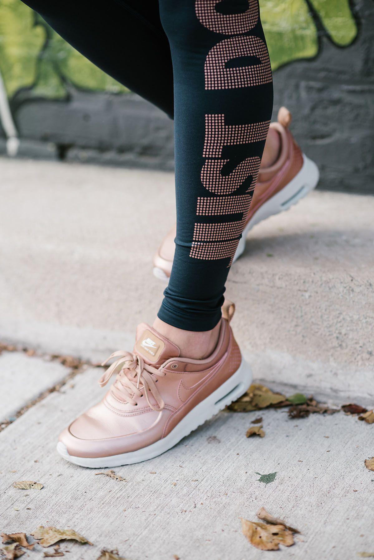Nike Thea Air Max Rose Femmes Costume Pantalon Or