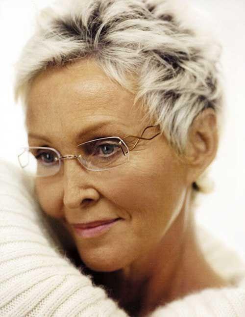 Bildergebnis Für Kurzhaarfrisuren Für 60 Jährige Frauen Flotte