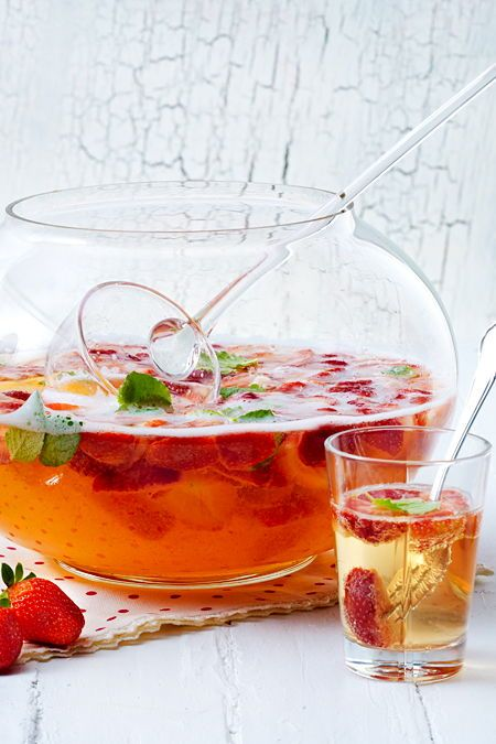 Erdbeerbowle - das beste Rezept | LECKER