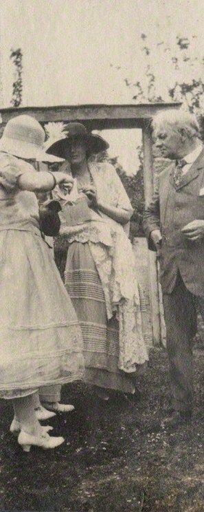 Detail of a photograph by Lady Ottoline Morrell, with Julian Ottoline Vinogradoff, Virginia Woolf and Jerome K. Jerome, June 1923.