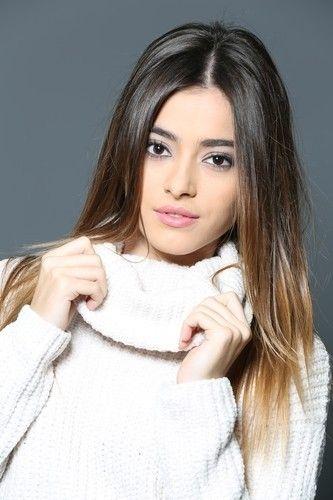 Hayat Bazen Tatlıdır Dizisi Gözde Simay Barlas Kimdir Biyografisi Turkish Women Beautiful Turkish Beauty Hair Beauty