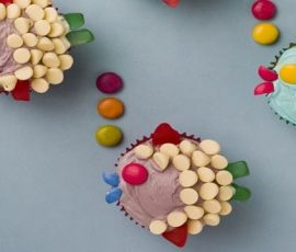 Delightful Fish Cupcakes: These fish are easy to make but very effective, and ALLEN'S Jelly Beans make the perfect lips. http://www.bakers-corner.com.au/recipes/allens/delightful-fish-cupcakes/