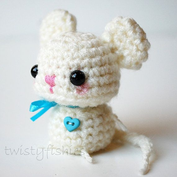 Baby White Mouse Kawaii Mini Amigurumi by twistyfishies on Etsy ...