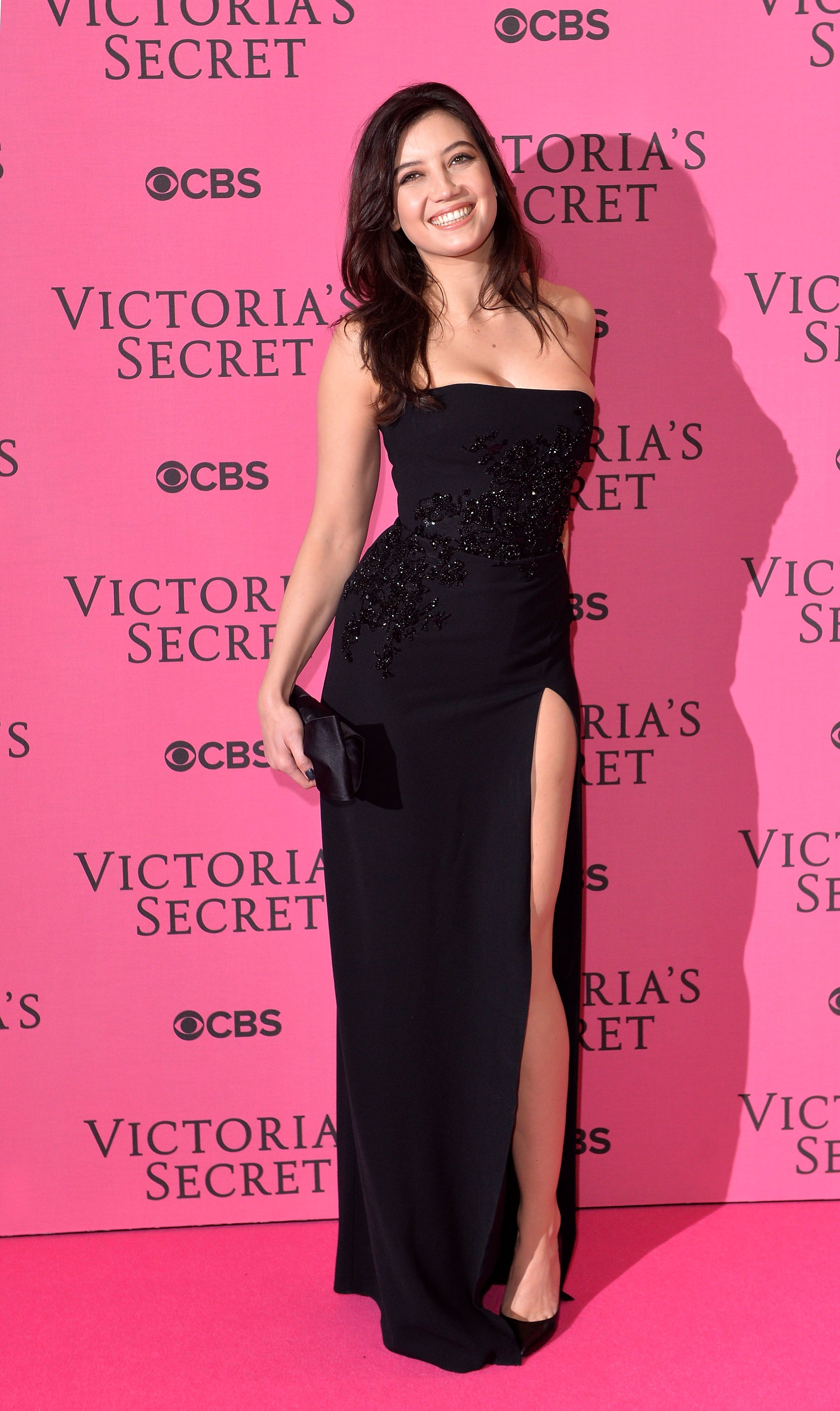 Daisy Lowe wears ELIE SAAB Pre Fall 2014 to the 2014 Victoria\'s ...