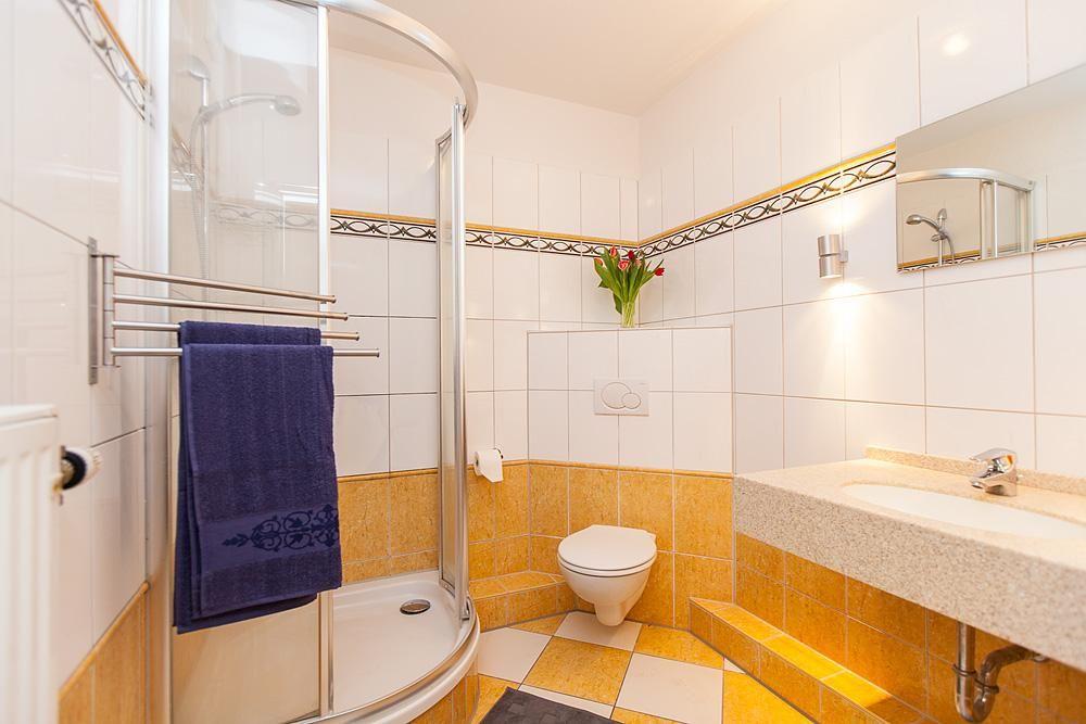 Großes, freundliches Bad in einer 9er-WG #Hamburg #Rotherbaum - badezimmer hamburg