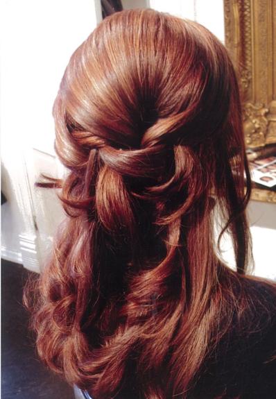 Peinados medio recogido con ondas