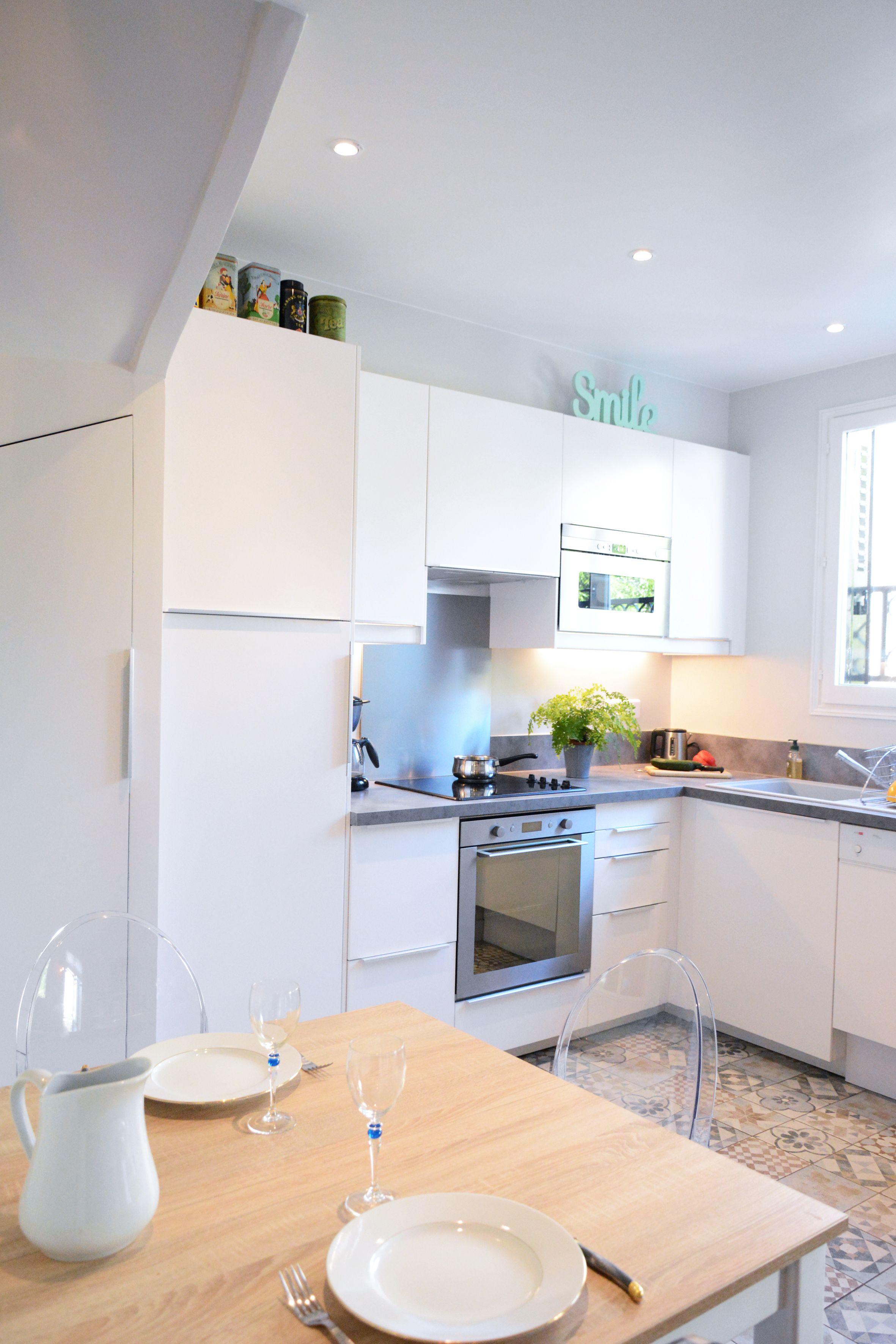 cuisine fonctionnelle et conviviale dans une maison de famille en