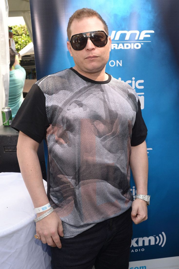 Does Scott storch have a clothing line?