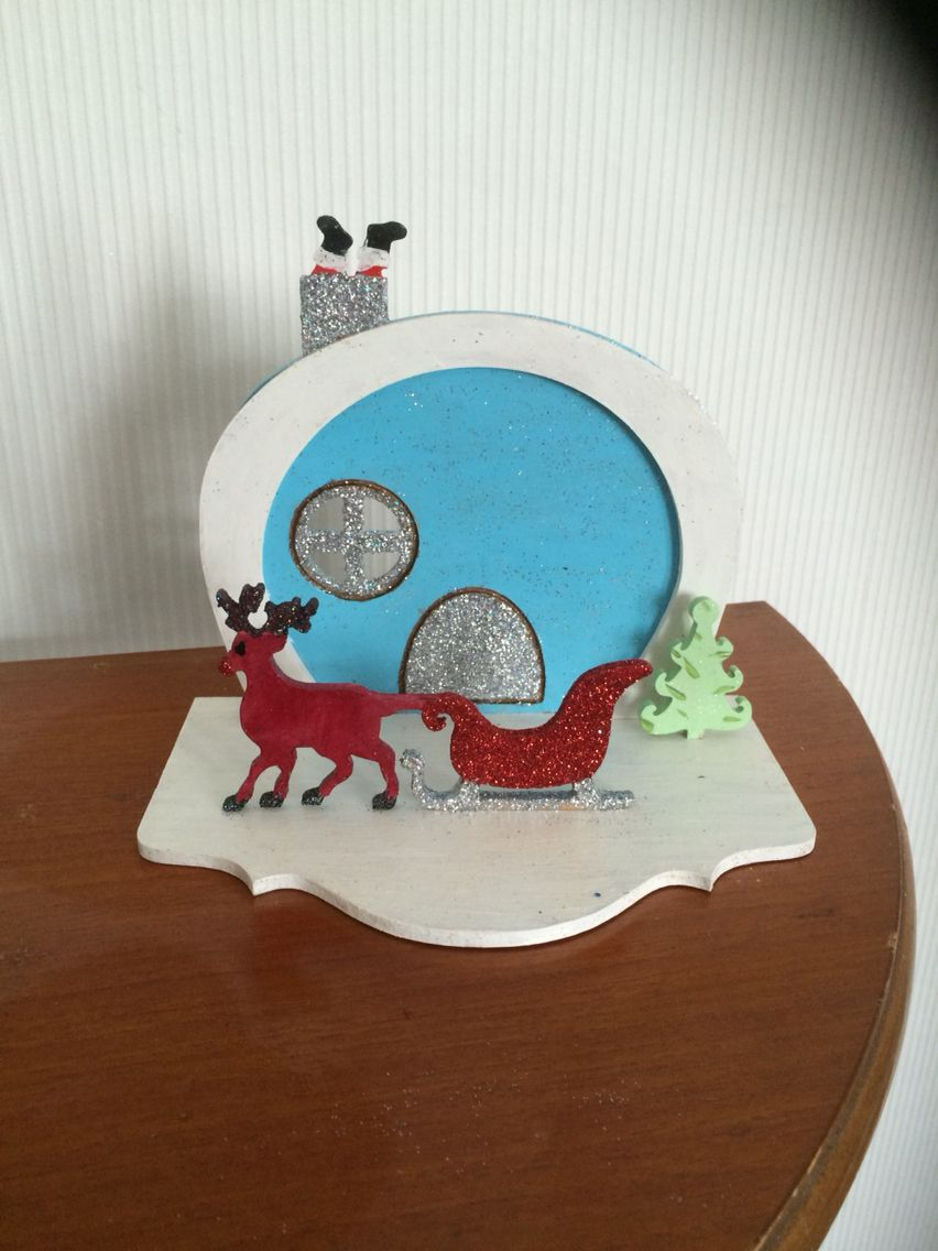 Christmas door £10 by www.facebook.com/vikkiandsue   More on our page. Come and have a look