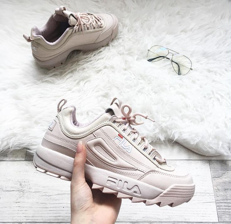 Pin by Lika<3 on Shoes in 2019 | Instagram shoes, Cute
