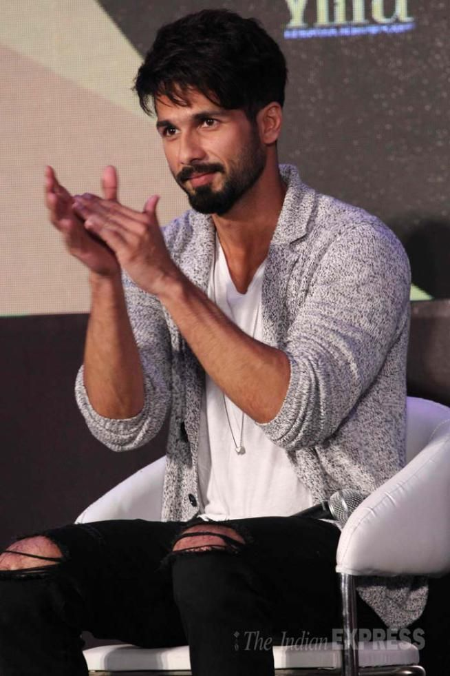 Shahid Kapoor Sonakshi Sinha Hrithik Roshan Arjun And Anil Made Special Announcements About The Forthcoming IIFA 2015 Weekend At A