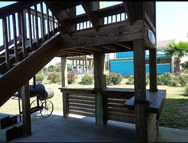 Built in bar - RV beach port.