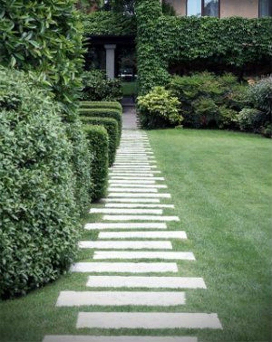 Inspiring Stepping Stones Pathway Ideas For Your Garden 27 Stone Garden Paths Sloped Garden Garden Stepping Stones