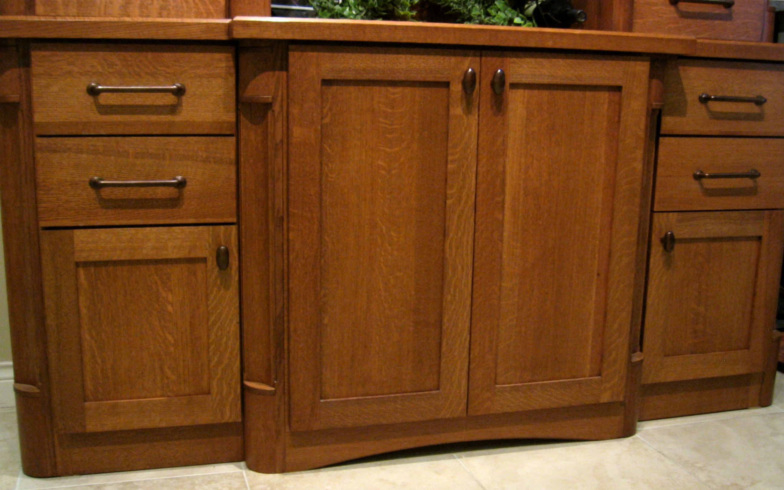 hardware for oak kitchen cabinets quartersawn oak cabinet hardware ideas cabinet works 7003