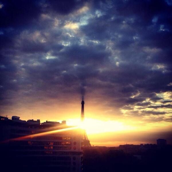 Salut les lèves tôt, bonne journée à vous