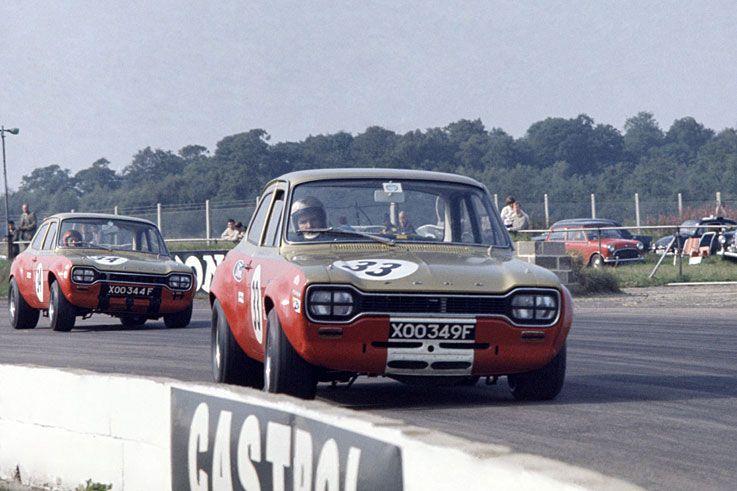 1968 Frank Gardner becomes the first back-to-back BTCC champion