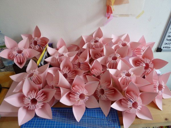 Origami flowers origami artist wedding favours asian wedding origami flowers origami artist wedding favours mightylinksfo