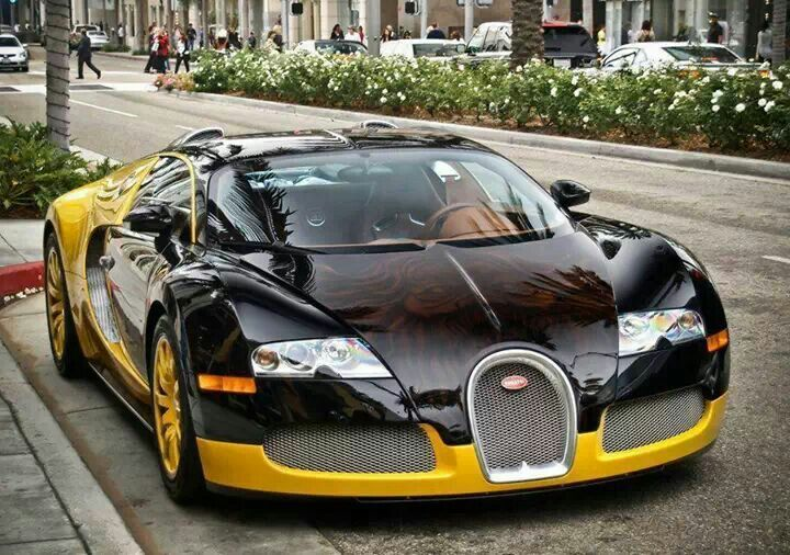 Iranian Designer Bijanu0027s Bugatti Veyron, With Custom Bumblebee Paint Job  And Personal Logo Image Ghosted On The Hood. I Saw This Car In Person, ...